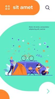 Feliz grupo de turistas acampando em ilustração vetorial plana de natureza isolada. desenhos animados de amigos com crianças sentadas perto da fogueira e do trailer