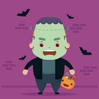 Feliz halloween fofo personagem frankenstein e morcegos voando