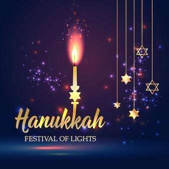 Feliz hanukkah brilhando fundo com vela, estrela de david e efeito bokeh.