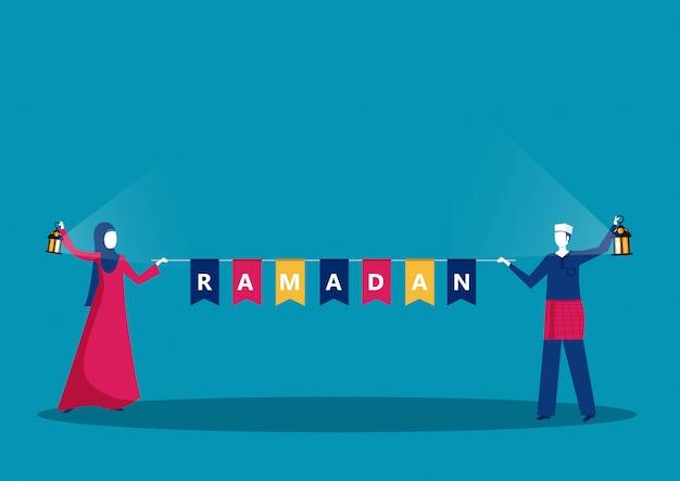 Feliz jovem muçulmano com ramadan kareem happy ramadan text.
