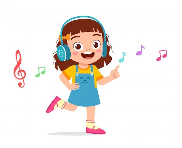 Feliz linda garota ouvindo música