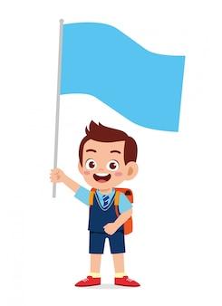 Feliz menino bonitinho garoto segurando bandeira