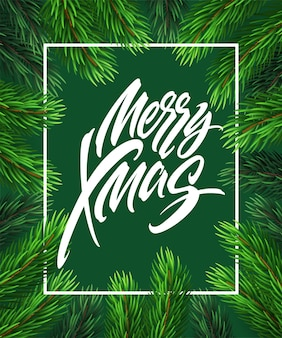 Feliz natal mão desenhada letras em moldura retangular. letras de natal em quadro realista de ramos de árvore do abeto. caligrafia de natal em fundo verde. banner, design de cartaz. vetor isolado