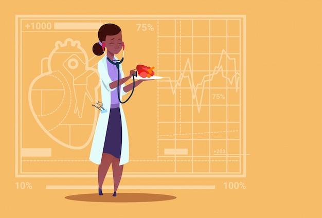 Femininas, doutor, cardiologista, examinando, coração, com, estetoscópio clínicas médicas, americano africano, trabalhador, hospitalar