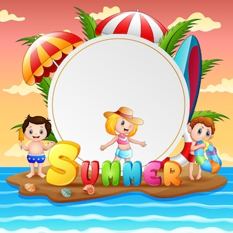 Férias de verão com crianças felizes na ilha