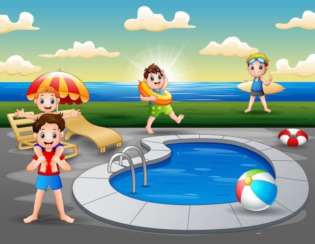 Férias de verão na piscina na praia