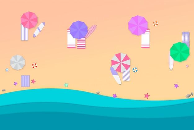 Férias na praia, areia, guarda-chuvas de papel, água, bola