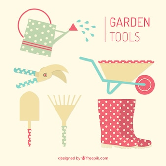 Ferramentas de jardim úteis e bonitos