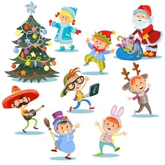Festa de carnaval de natal, crianças em trajes com papai noel com presentes