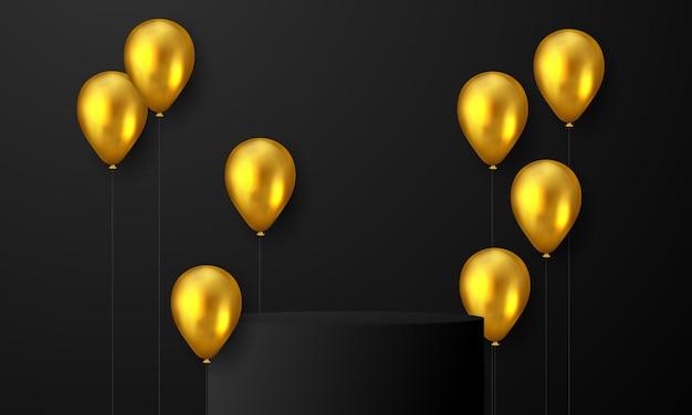 Festa de confraternização com fundo de balões de ouro.