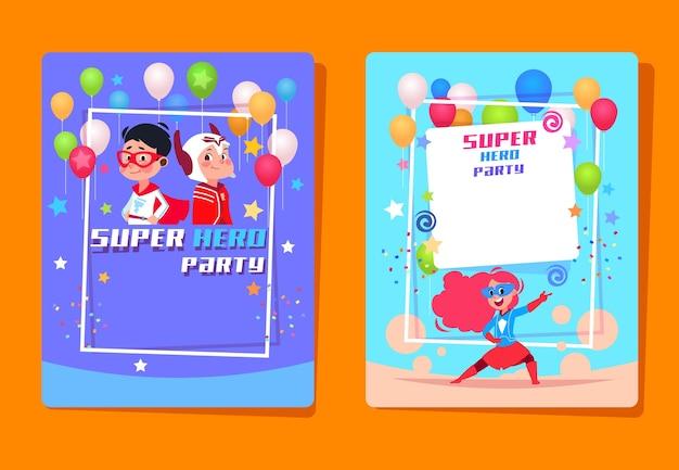 Festa de crianças super-heróis. crianças em idade pré-escolar com fantasias de super-heróis