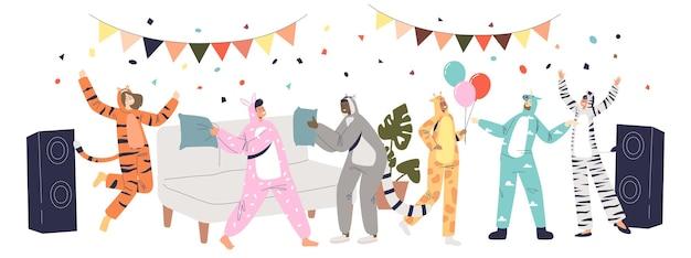 Festa do pijama com pessoas vestidas com macacões kigurumi onesize de diferentes animais engraçados que dançam e se divertem juntos. ilustração em vetor plana dos desenhos animados