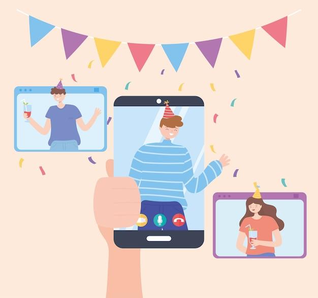Festa online, mão segurando smartphone com homem comemorando com amigos