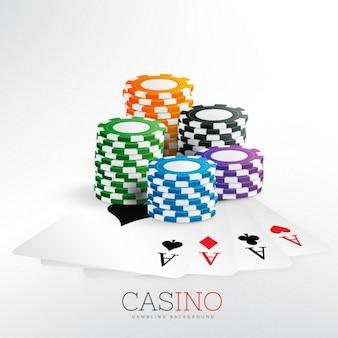 Fichas de jogo do casino com cartões de jogo