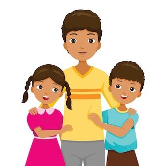 Filha e filho abraçando o pai, família de pele escura felizes juntos