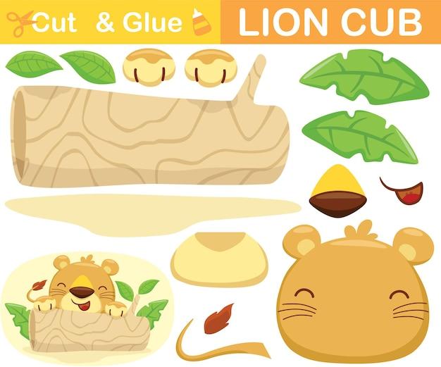 Filhote de leão bonito se escondendo no tronco de uma árvore. jogo de papel de educação para crianças. recorte e colagem. ilustração dos desenhos animados