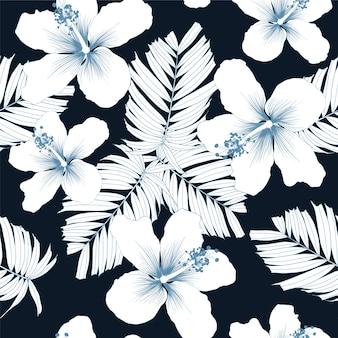 Flores de hibisco branco padrão sem costura e folhas de palmeira sobre fundo preto