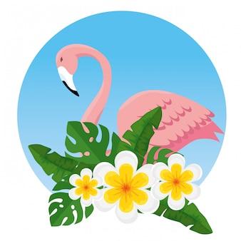 Flores tropicais e folhas com flamengo exótico