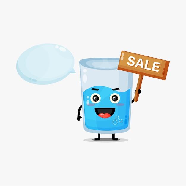 Fofinho mascote de copo d'água com placa de venda