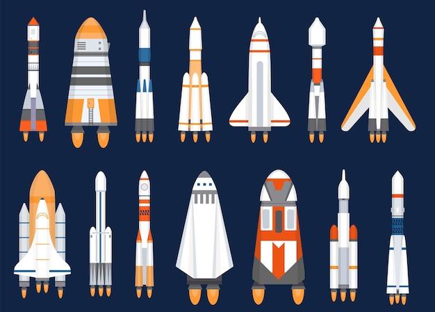 Foguetes espaciais. lançamentos de naves espaciais planas para a missão de exploração cósmica. tecnologia de galáxia futurista, conjunto de vetores de nave espacial. ilustração de foguete, nave cósmica e nave espacial
