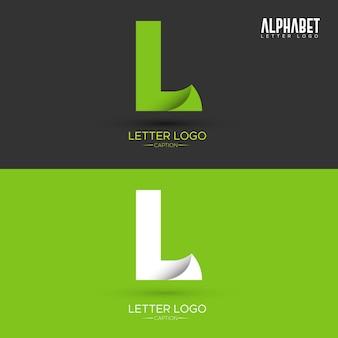Folha de origami verde em forma de logotipo de letra l orgânico