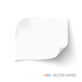 Folha de papel branco com cantos curvos e sombra suave isolada no branco. modelo de nota de papel para banner da web.