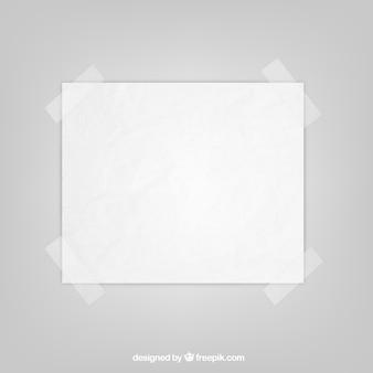 Folha de papel com fita adesiva