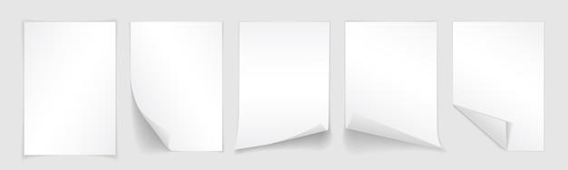 Folha de papel em branco com canto enrolado e sombra, modelo para seu projeto. conjunto.