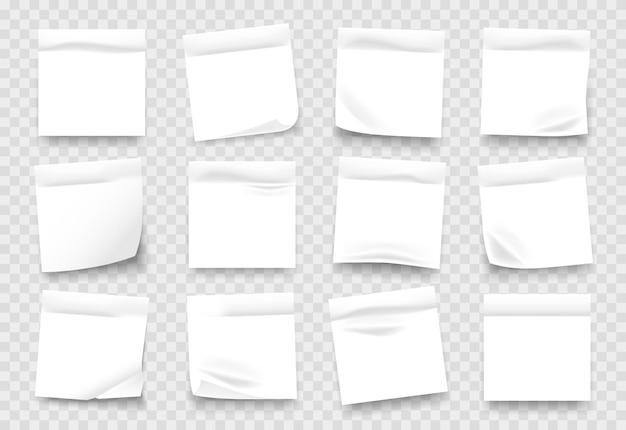 Folhas de bloco de notas brancas com bordas amassadas