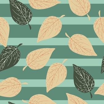 Folhas de outono caindo padrão desenhado de mão sem emenda. folhagem de contorno impressão em fundo listrado.