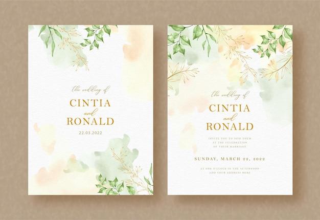 Folhas verdes exóticas e pintura de galhos no fundo do convite de casamento