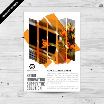 Folheto comercial branco com retângulos laranja