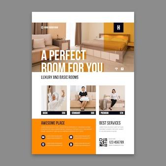 Folheto criativo de informações sobre o hotel com foto