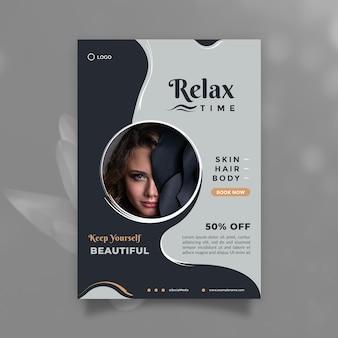 Folheto criativo e moderno de design de promoção de cuidados de beleza e modelo de folheto com tamanho a4