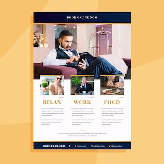 Folheto de informações de hotéis profissionais com foto