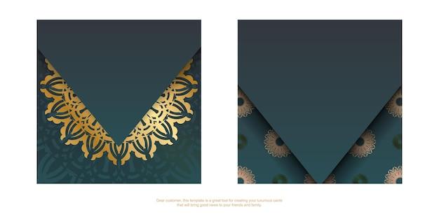Folheto de saudação com gradiente de cor verde com padrão de mandala ouro para seu projeto.