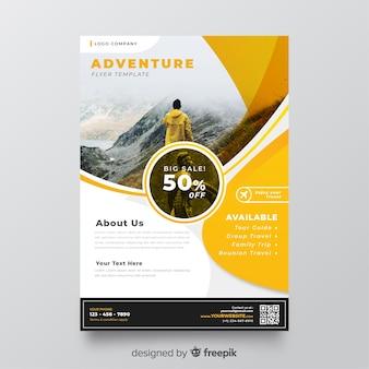 Folheto de viagens modelo com imagem