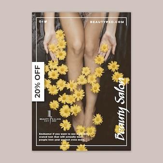 Folheto floral vertical para salão de beleza