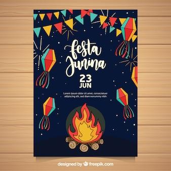 Folheto junina de festa com elementos tradicionais