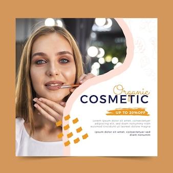 Folheto quadrado de cosmético orgânico desenhado à mão