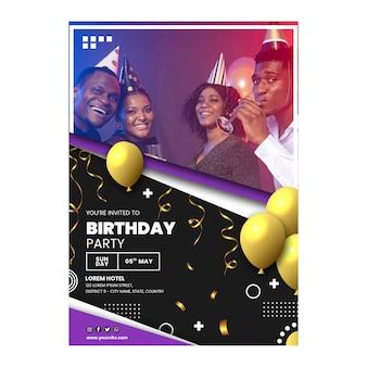 Folheto vertical de comemoração de aniversário