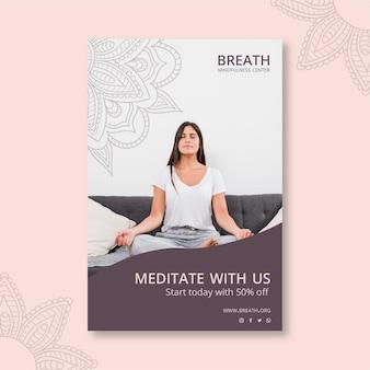 Folheto vertical para meditação e atenção plena