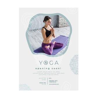 Folheto vertical para praticar ioga