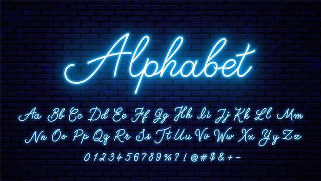 Fonte de tipografia do alfabeto com o efeito de letras e números de néon azuis