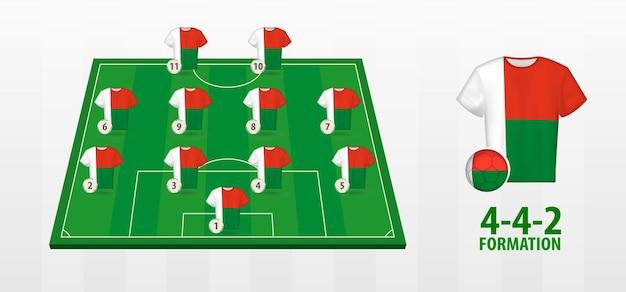 Formação da seleção nacional de futebol de madagascar no campo de futebol.