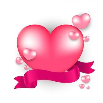 Formas de coração brilhante com fita em fundo branco para valentin