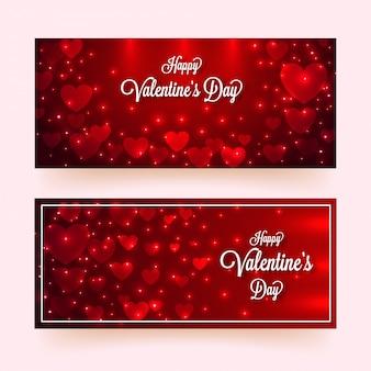 Formas de coração de papel decoradas com efeito de iluminação em vermelho brilhante