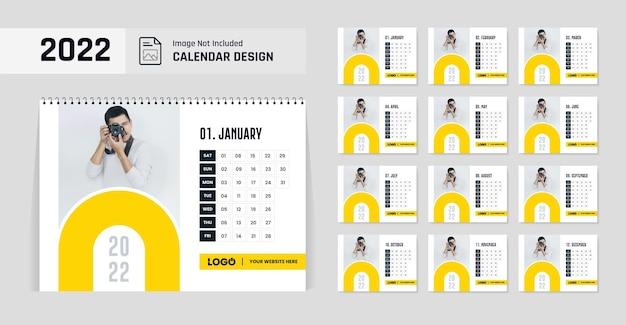 Formato de cor amarela modelo de design de calendário de mesa para 2022 ano novo