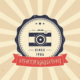Fotografia, logotipo vintage do fotógrafo, emblema com câmera retro