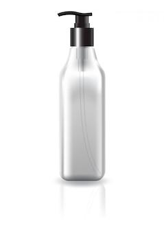 Frasco cosmético quadrado claro em branco com cabeça de bomba preta para modelo de maquete de produtos de beleza.